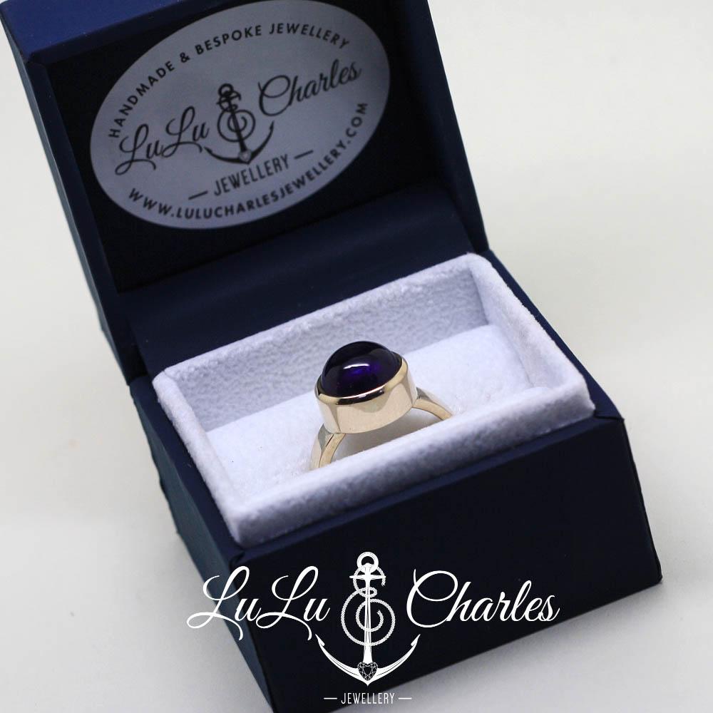 Handmade bespoke memorial ring, glass backed ring, containing human hair uk